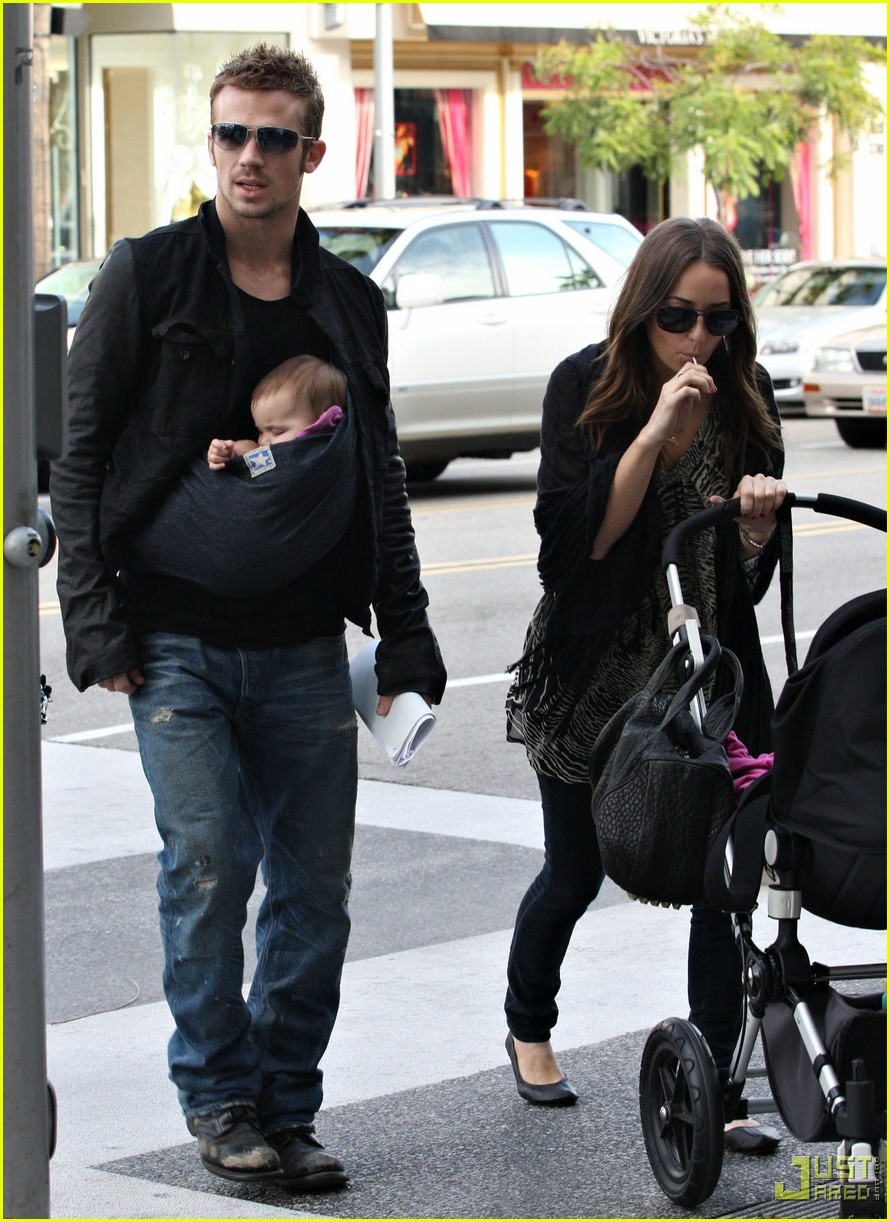 cam gigandet carries daughter everleigh 062402134