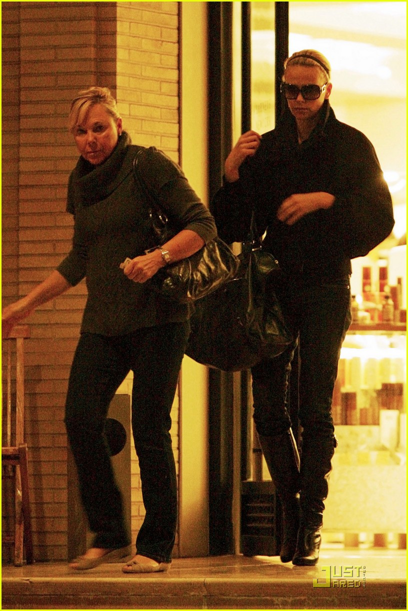 charlize theron gera shopping spree 03