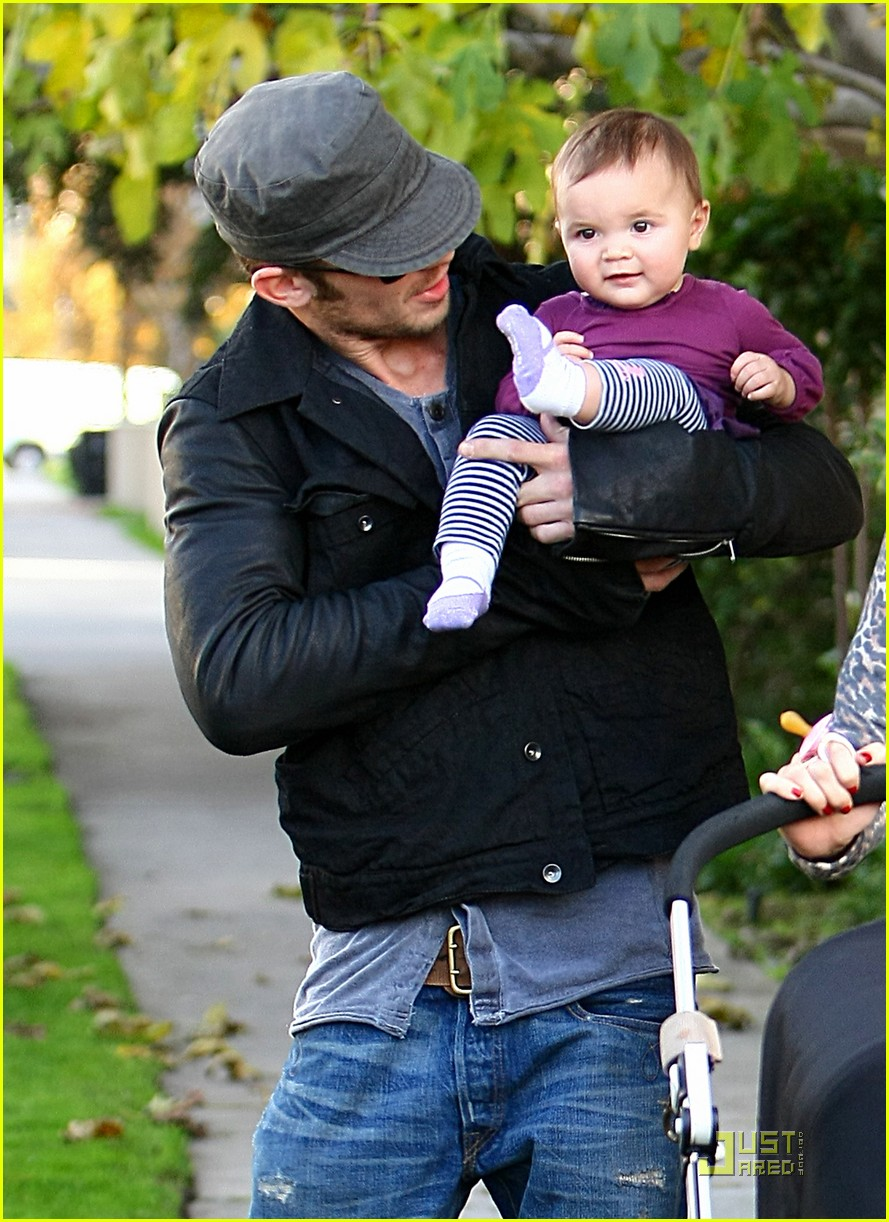 cam gigandet everleigh smiles sweetly 022402536