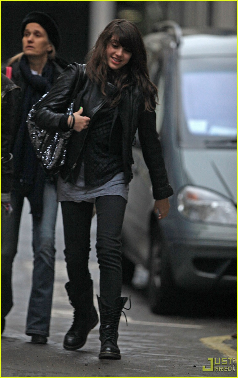 lourdes leon leather jacket boots 05