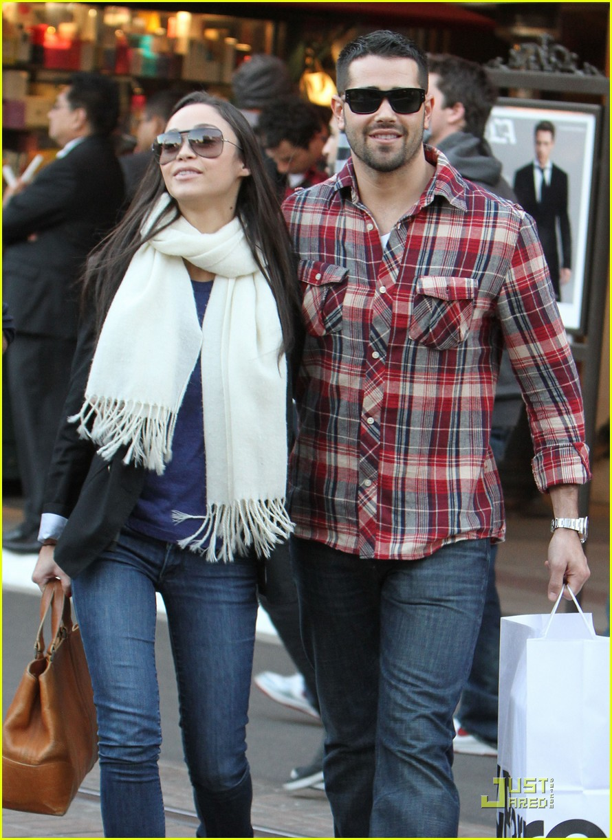 who dating jesse metcalfe Portia de rossi: my ex-husband stole my brother's de rossi was married to metcalfe between 1996 and he had married his longtime girlfriend.