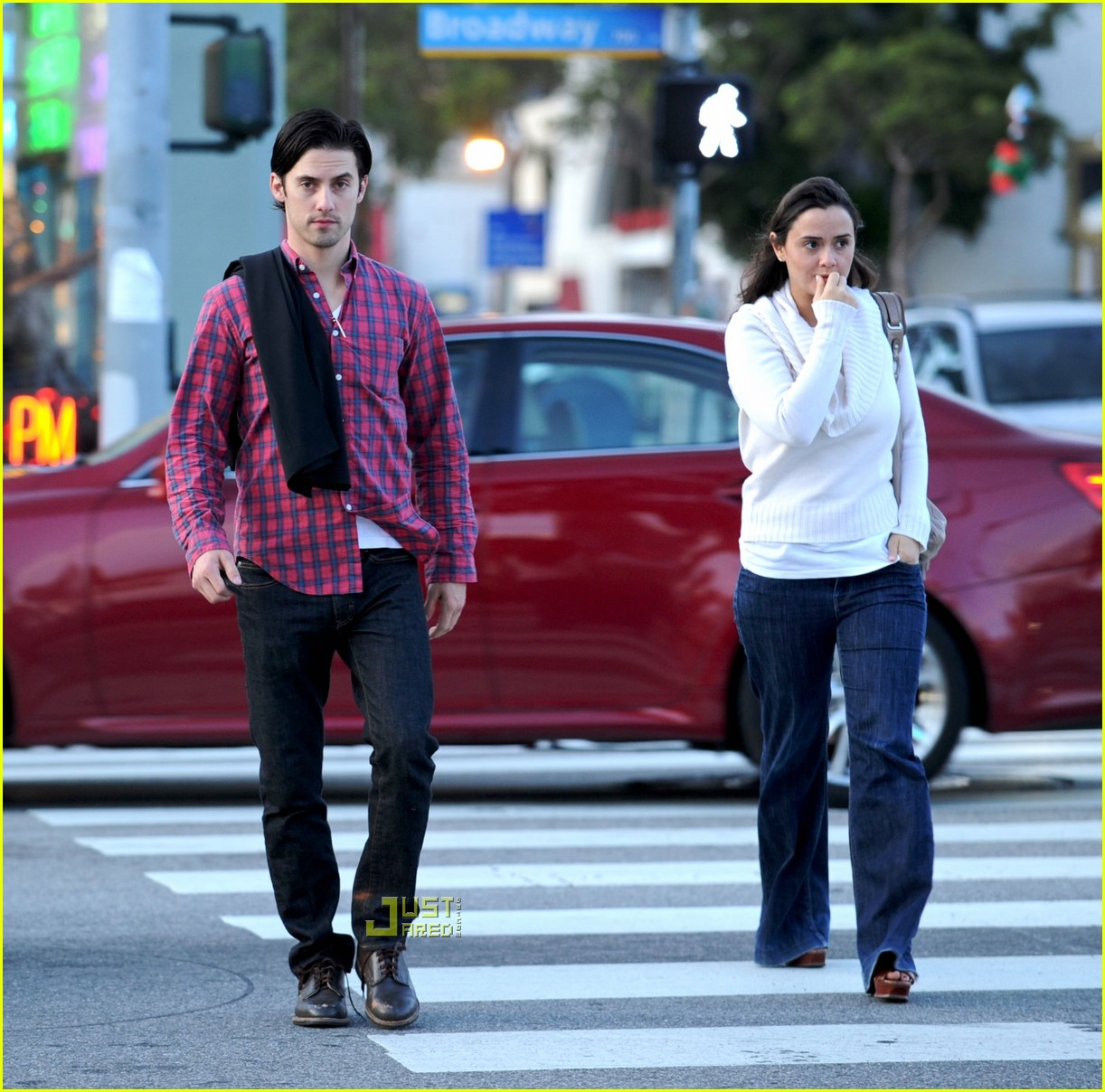 isabella brewster milo ventimiglia girlfriend 06