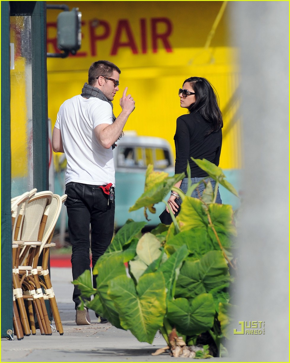 chris pine olivia munn coffee date 06