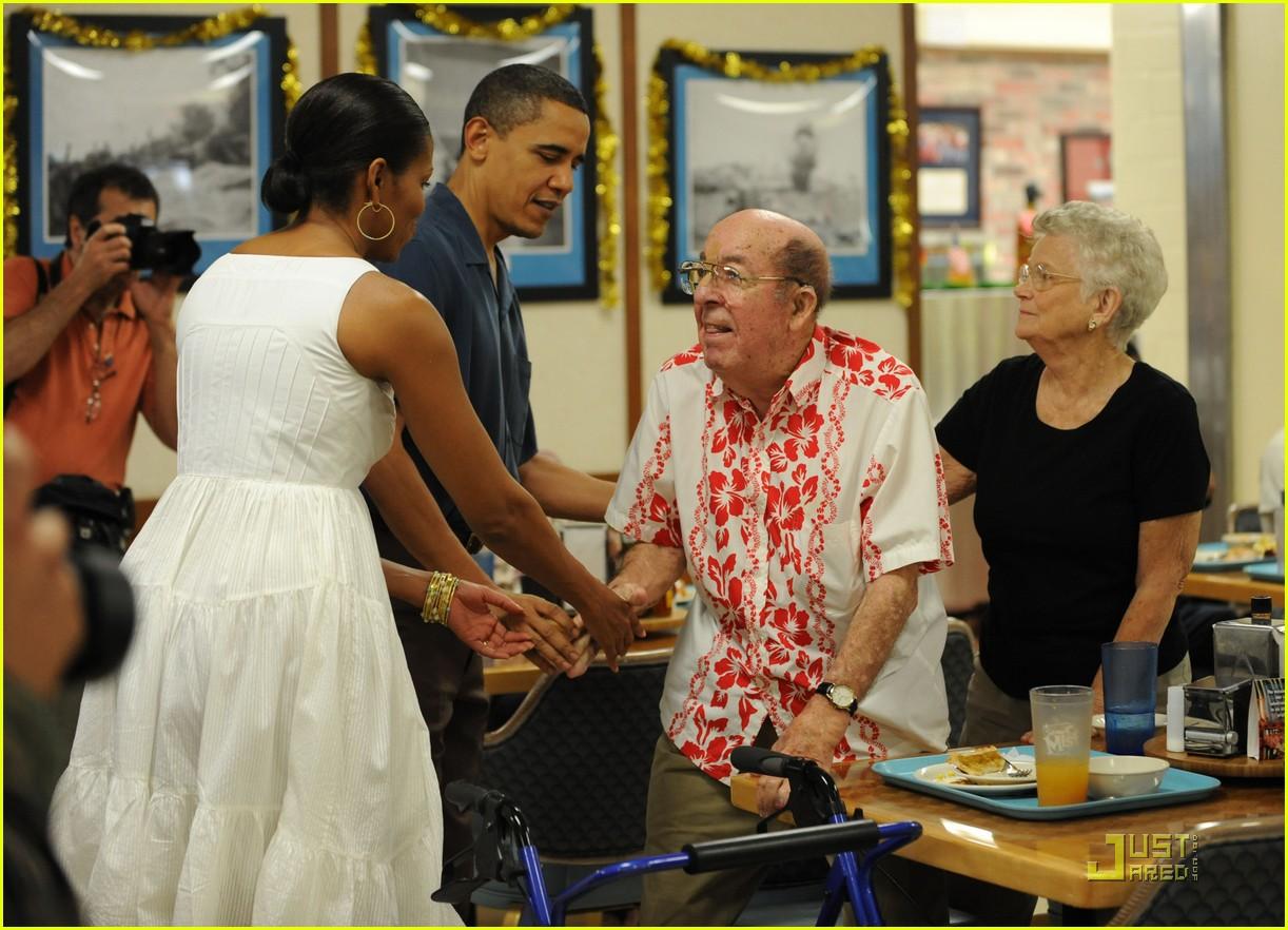 michelle obama hawaii 102404751
