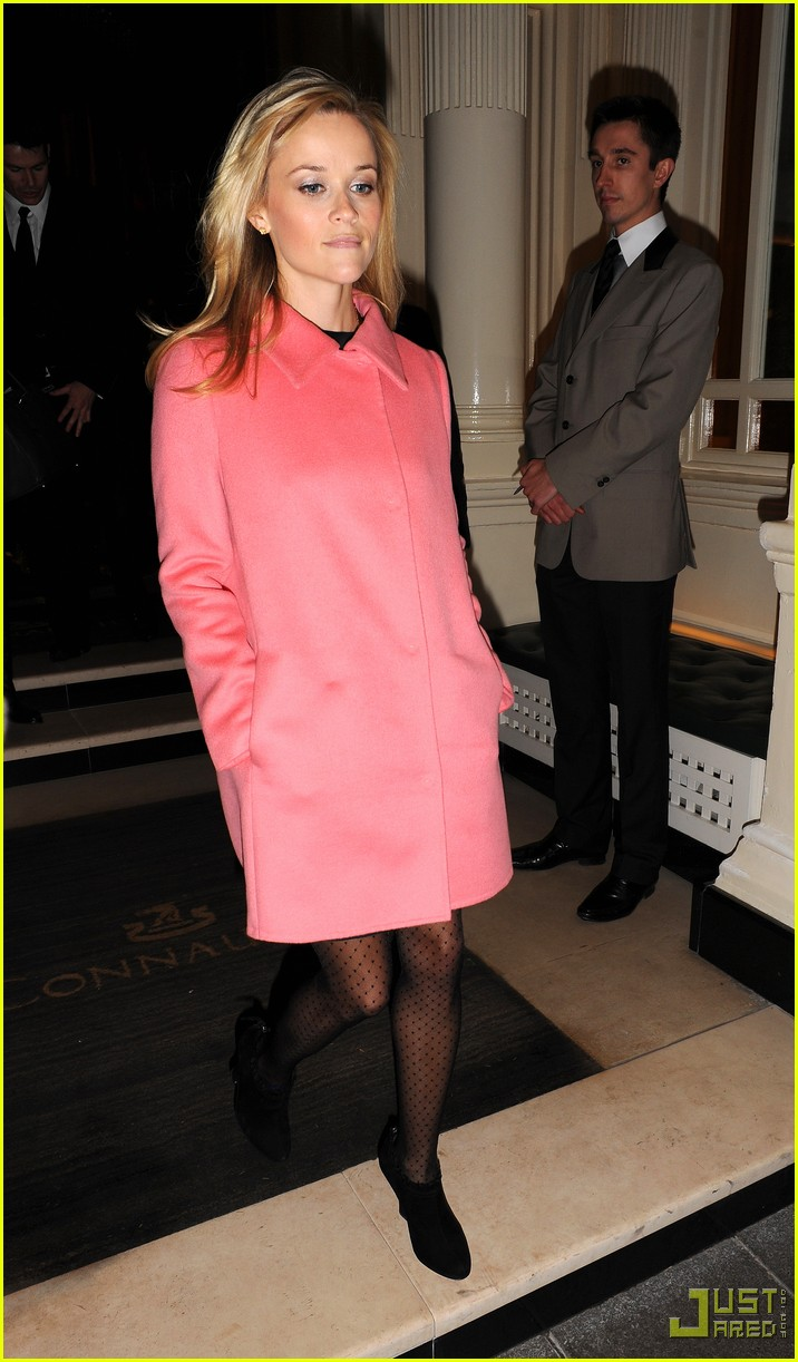 reese witherspoon london hotel 022398242
