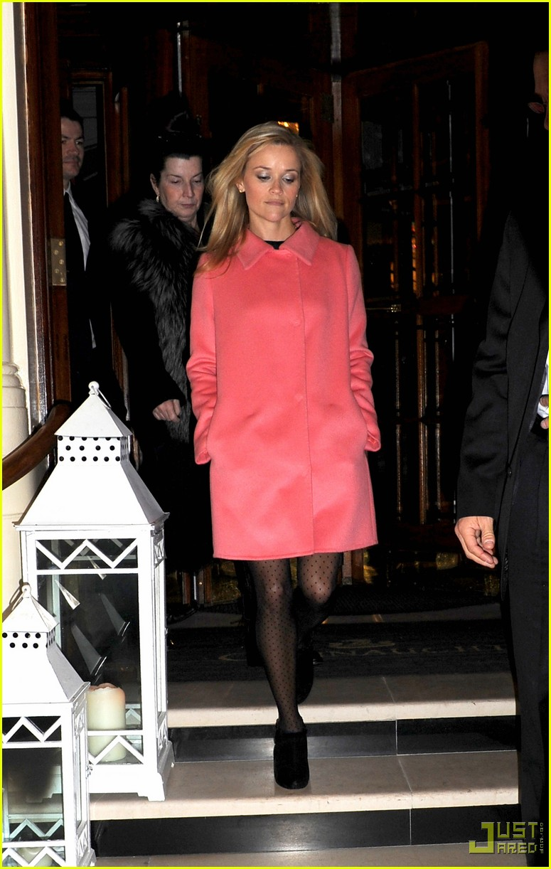 reese witherspoon london hotel 042398262