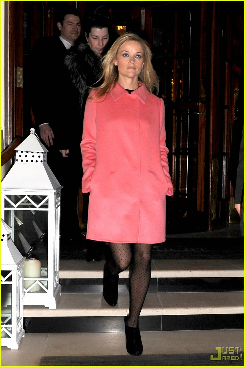 reese witherspoon london hotel 062398282