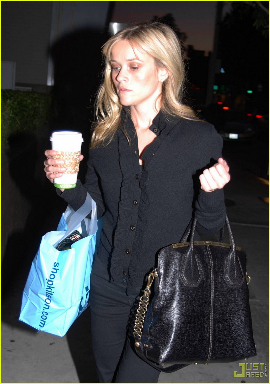 reese witherspoon single shopping kitson 012402448