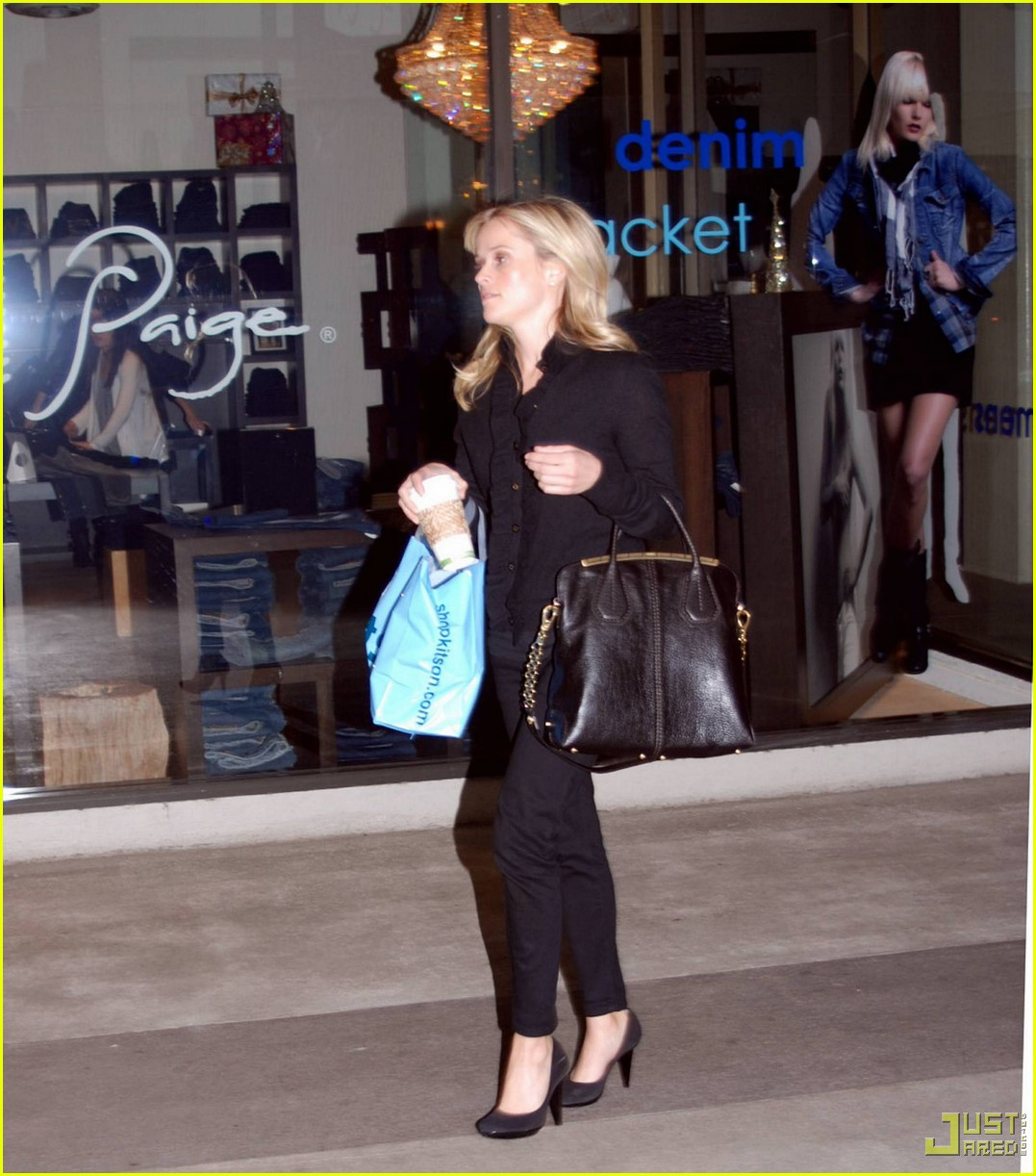 reese witherspoon single shopping kitson 042402451