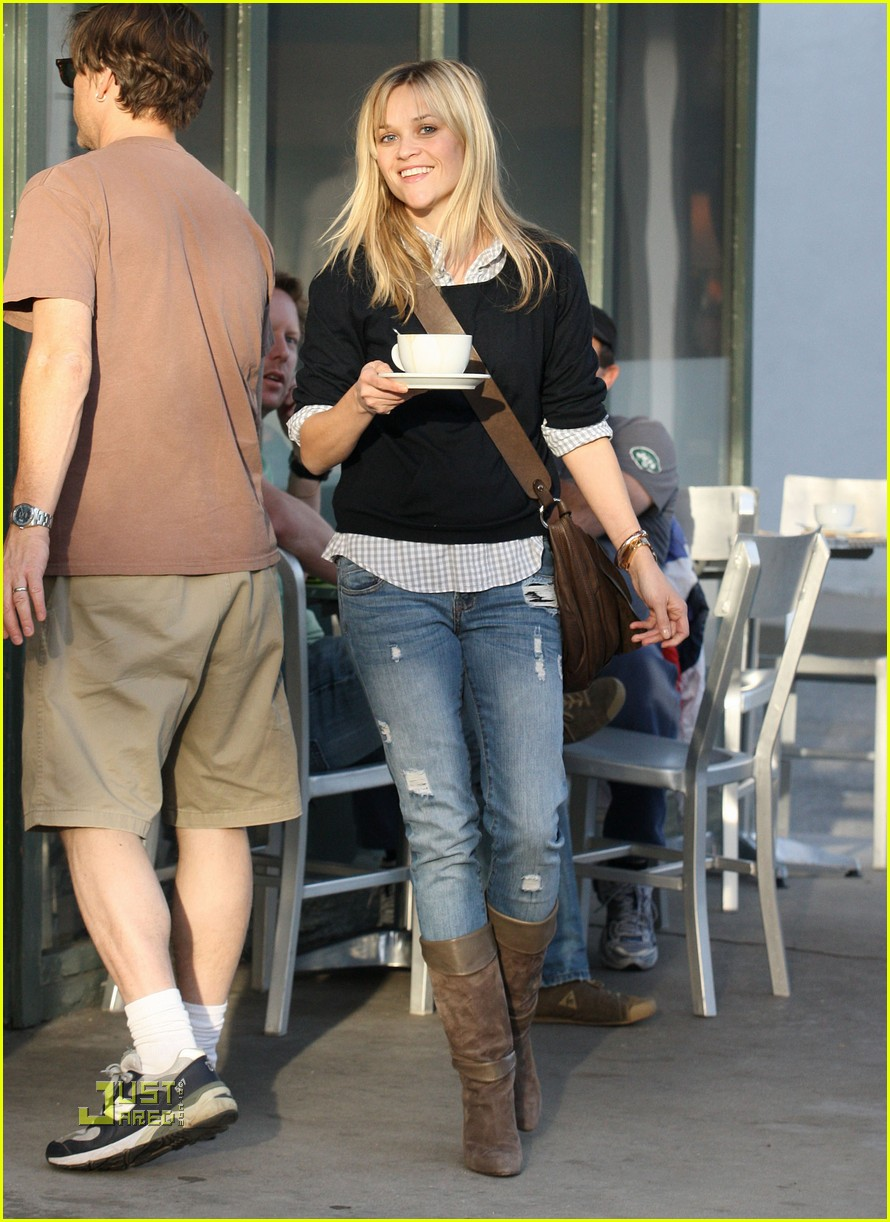 reese witherspoon tea 032402881