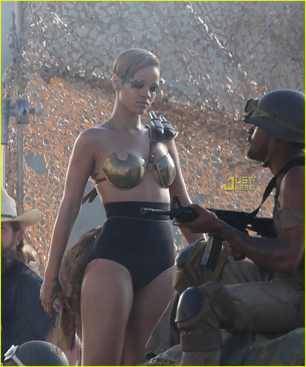 rihanna hard music video preview 01
