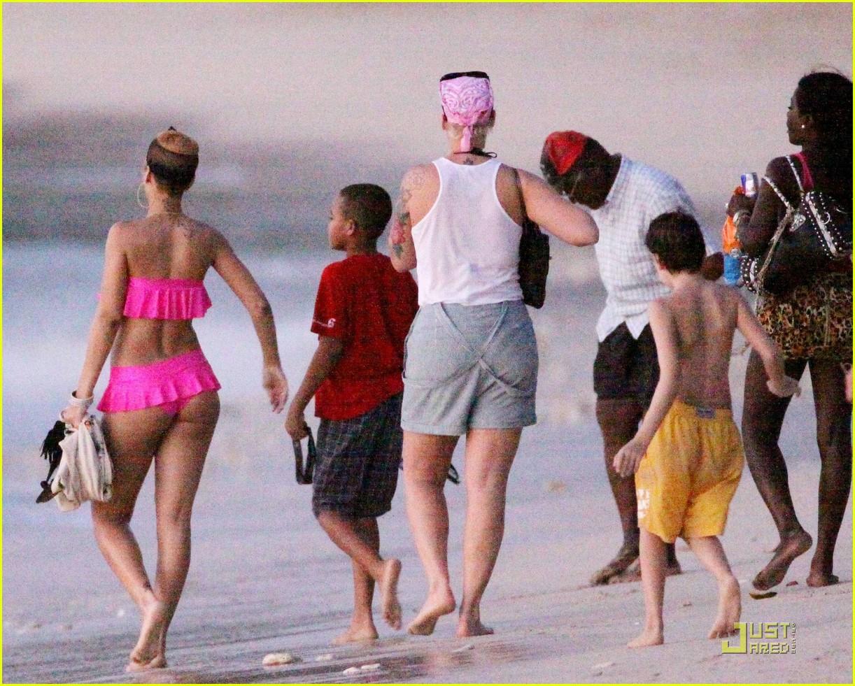 rihanna ruffled pink bikini barbados 18