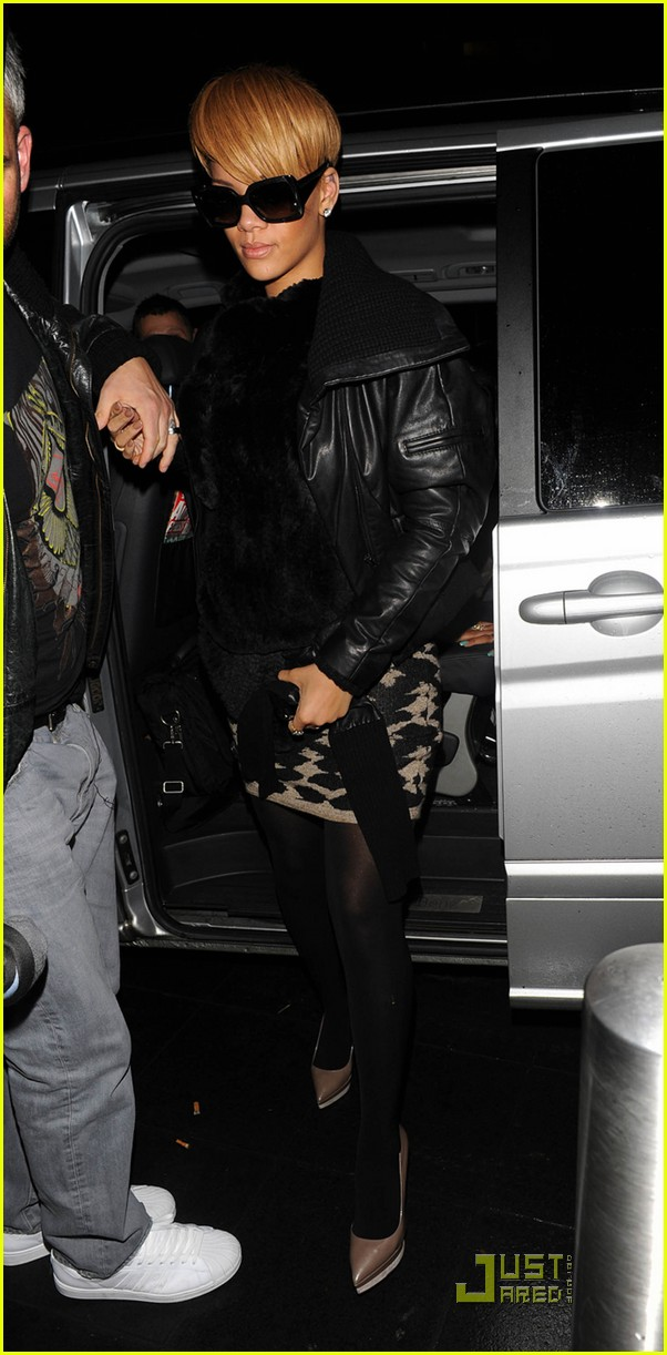 rihanna whisks into whisky 032402525