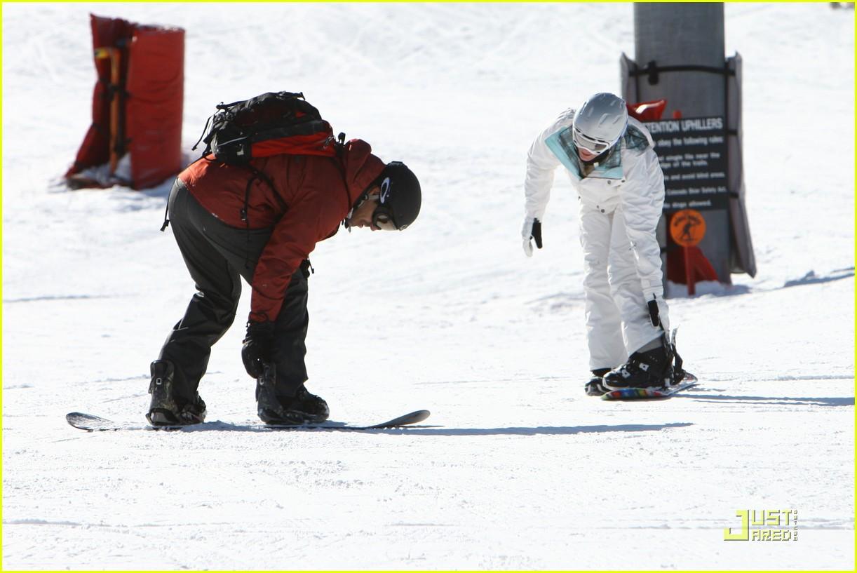 leann rimes eddie cibrian snowboarding sweethearts 072404558