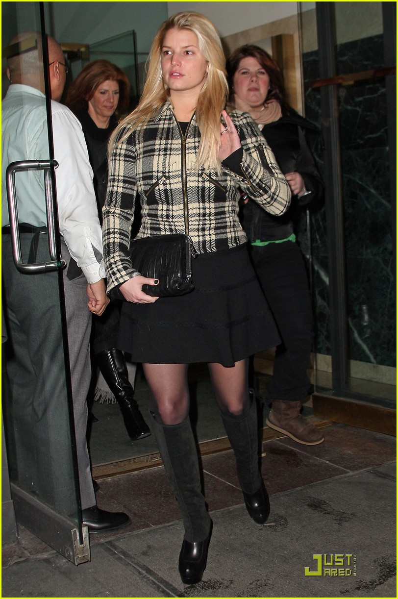 jessica simpson is pretty in plaid 04