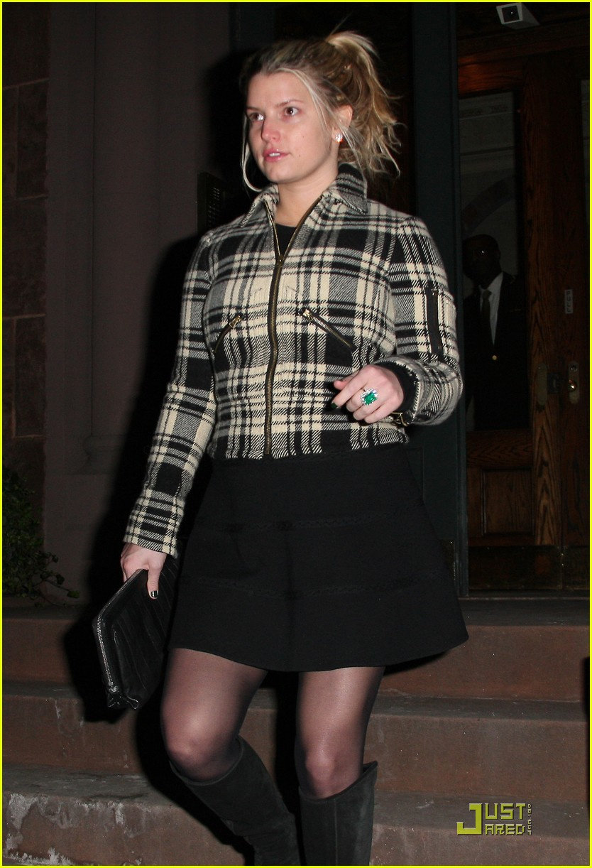 jessica simpson is pretty in plaid 12