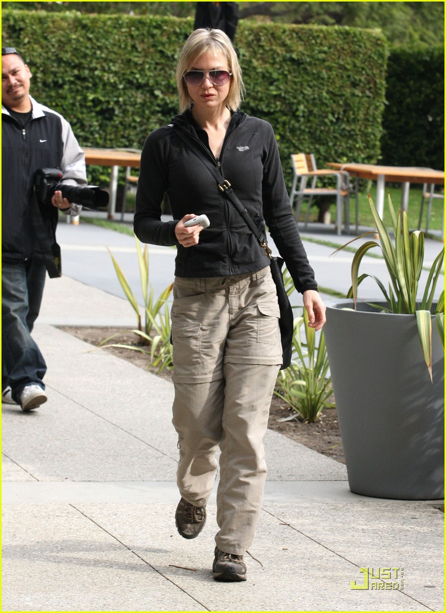renee zellweger brads mom 132404404