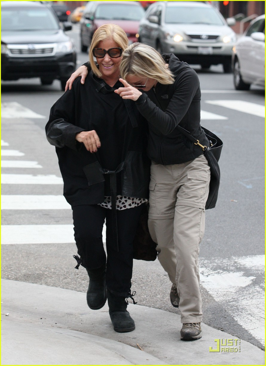 renee zellweger brads mom 292404420