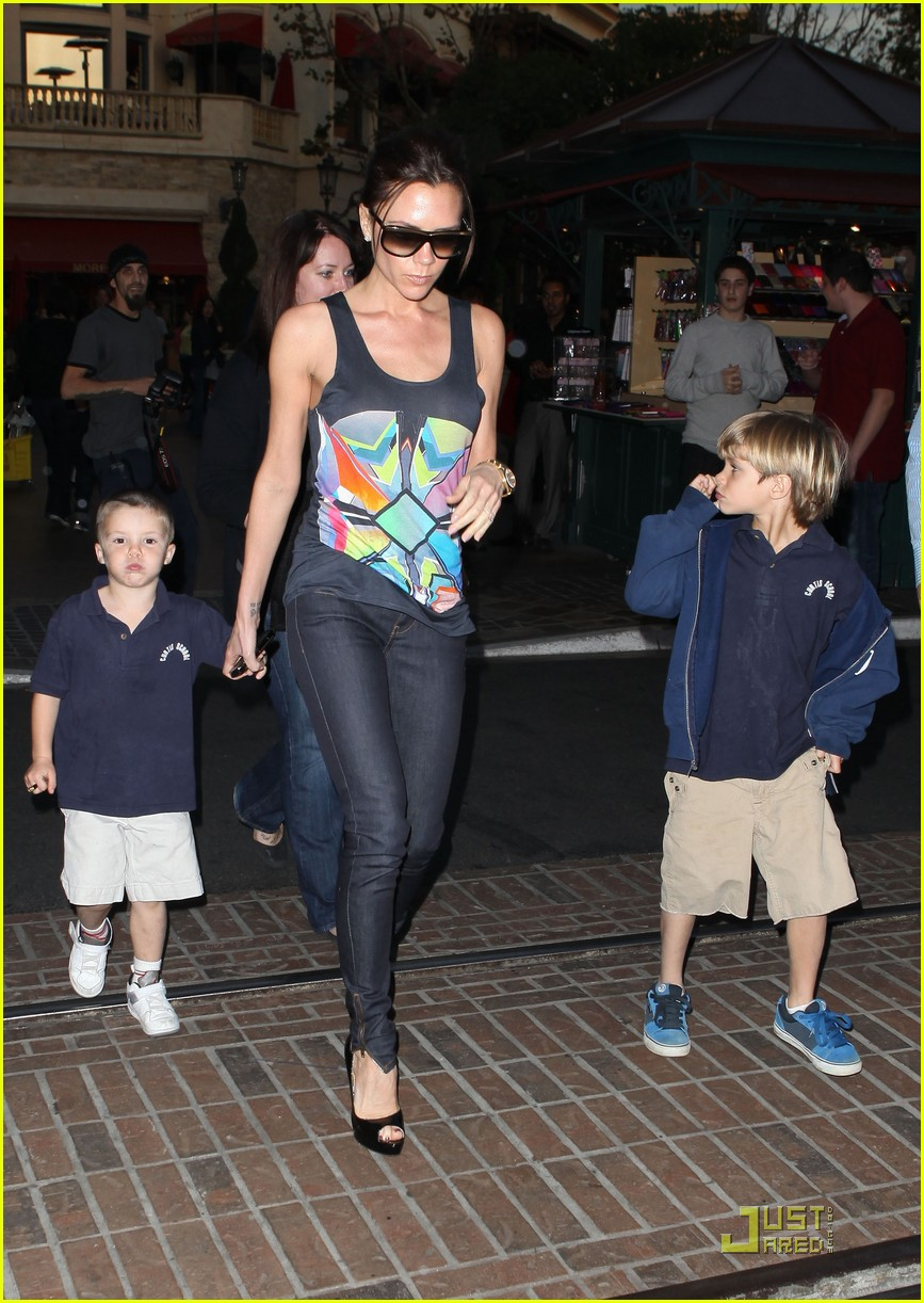 victoria beckham family feature 142406735
