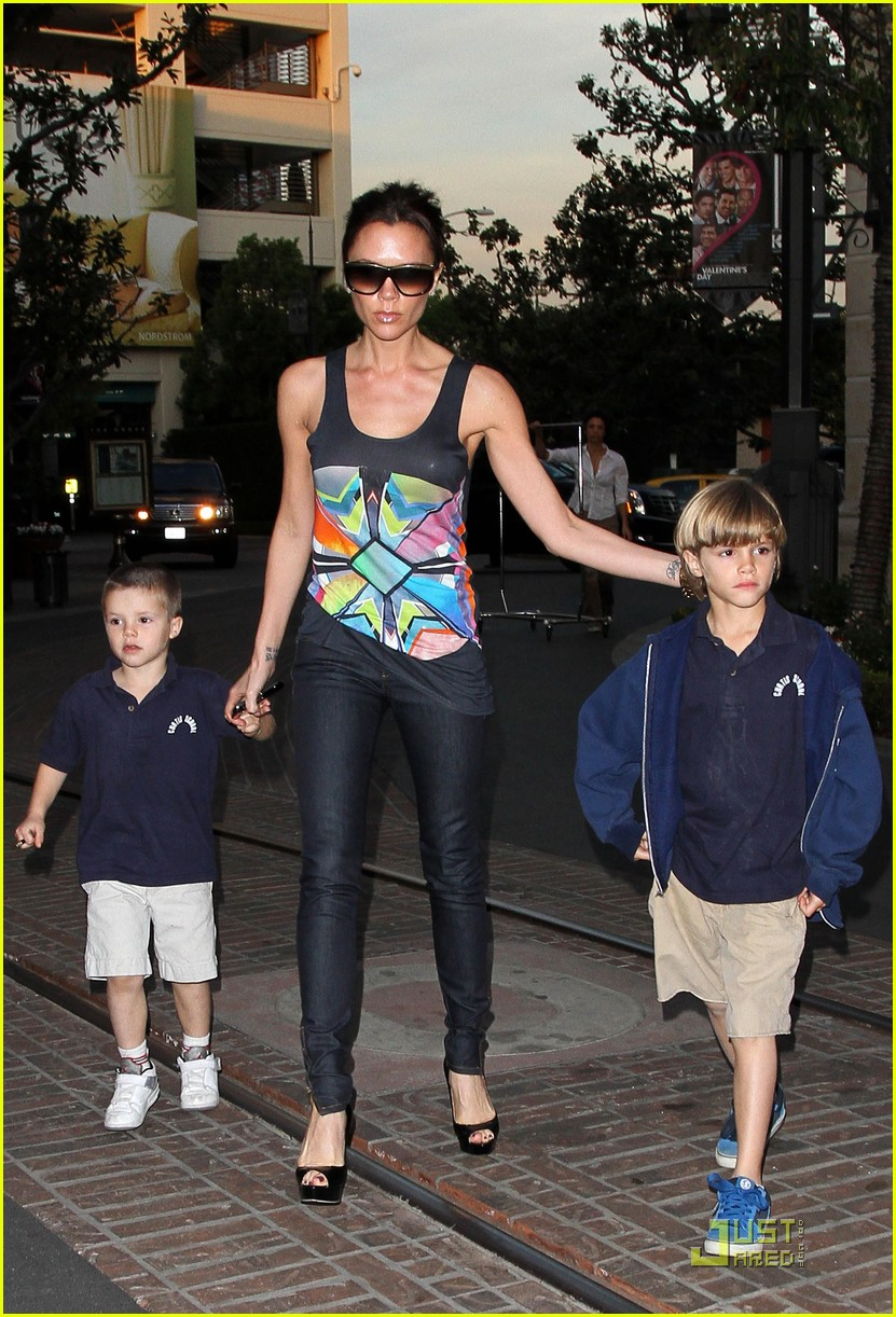 victoria beckham family feature 182406739