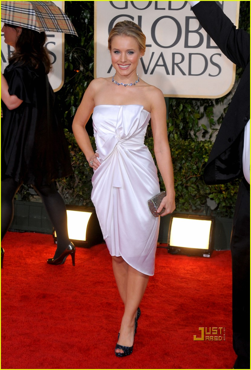 kristen bell 2010 golden globes red carpet 022409164