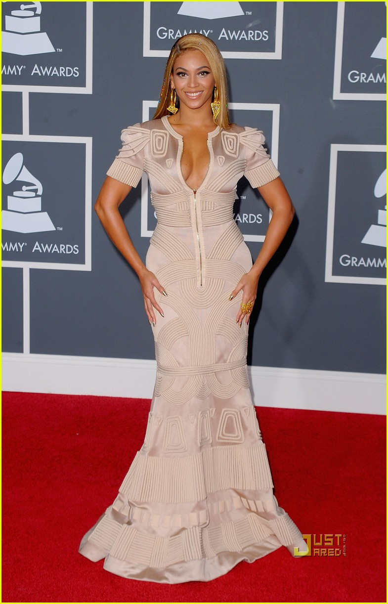 beyonce knowles grammy awards 2010 red carpet 03