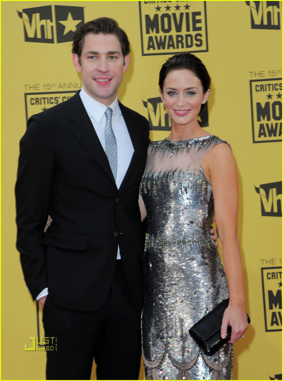 emily blunt critics choice awards john krasinski 032408539