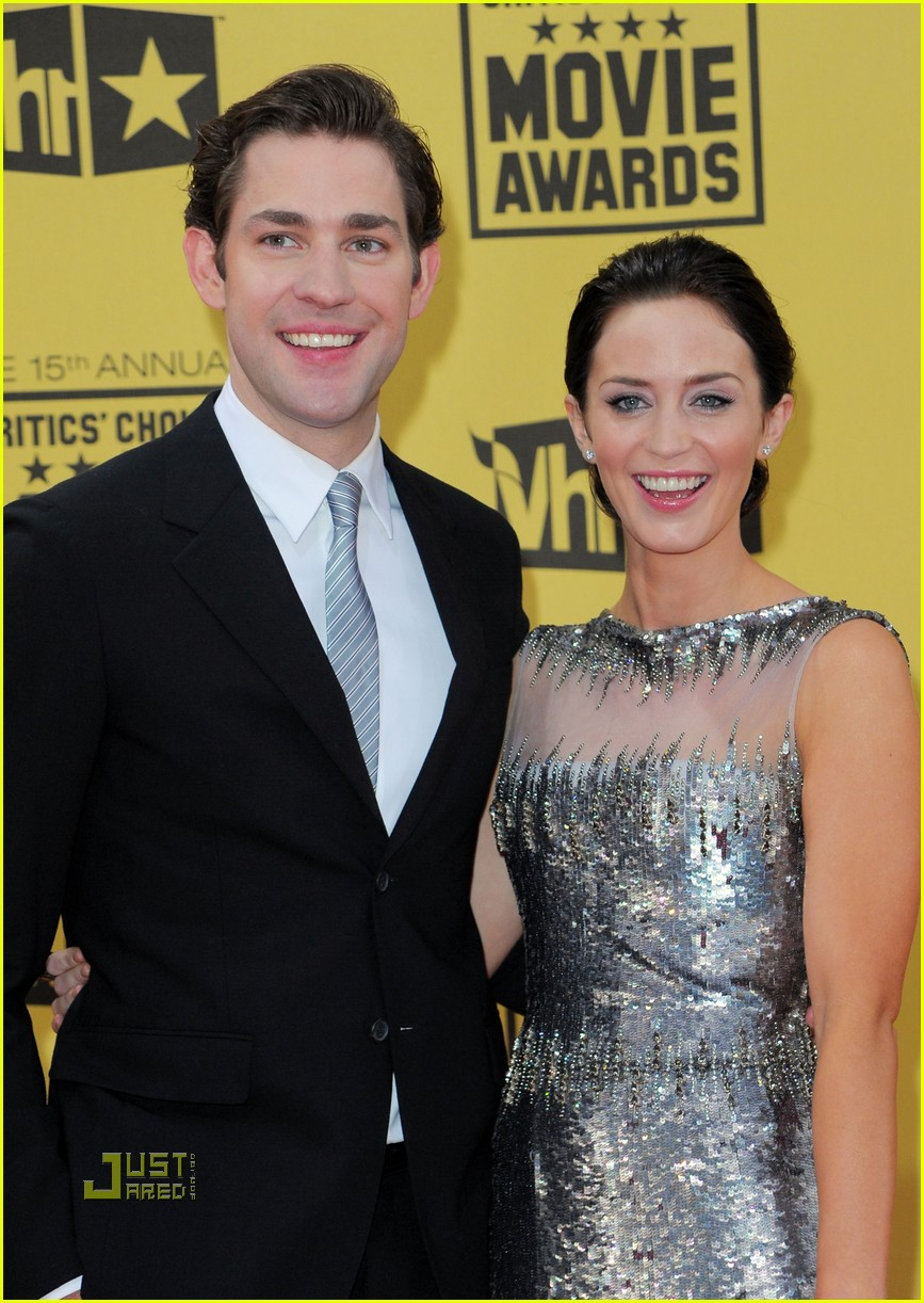 emily blunt critics choice awards john krasinski 06