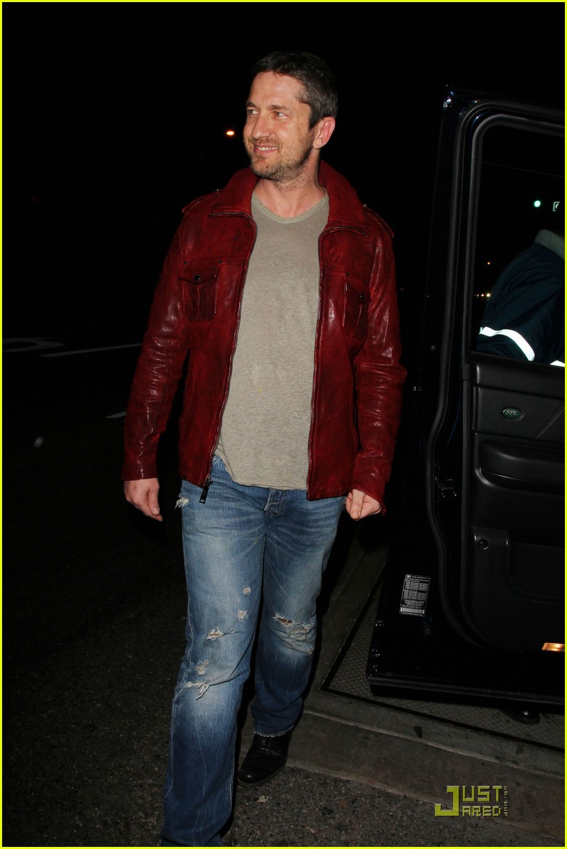 gerard butler cleared battery charges 092406934