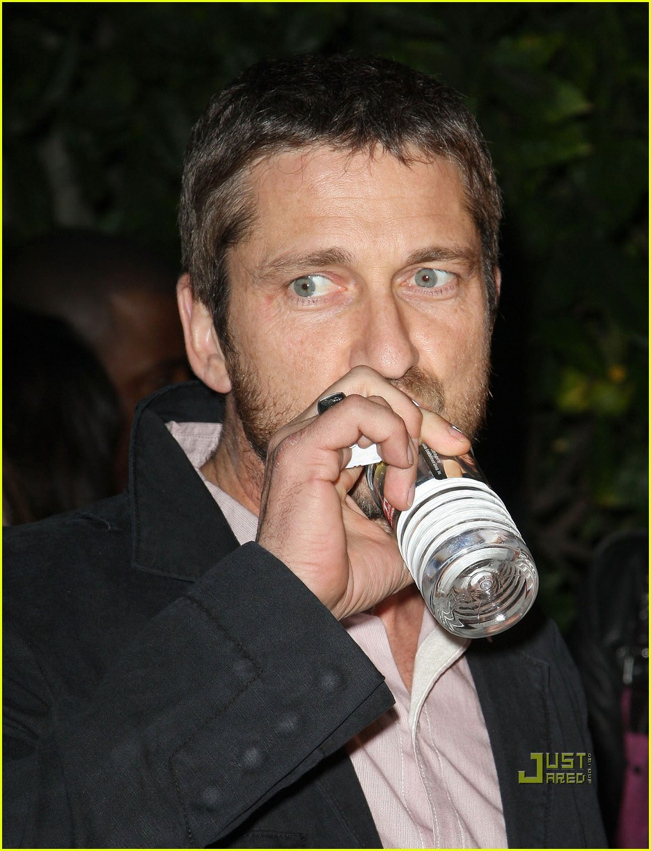 gerard butler artists for peace and justice 022412323