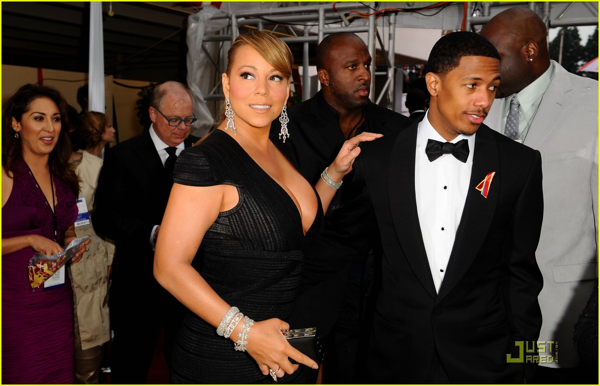 mariah carey 2010 golden globe awards red carpet 192409287