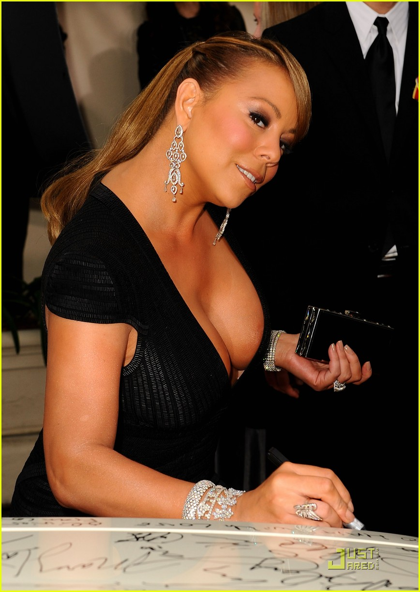 mariah carey 2010 golden globe awards red carpet 20