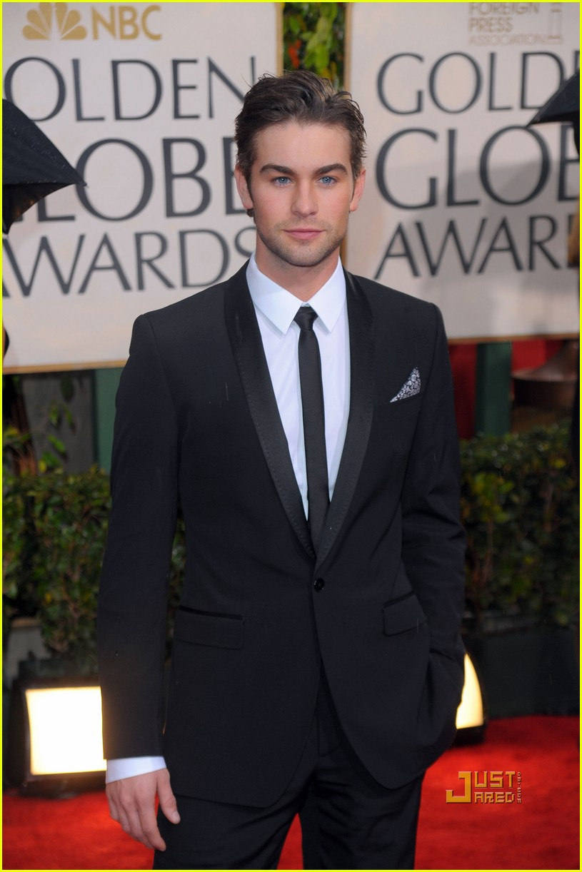chace crawford 2010 golden globes red carpet 032409121