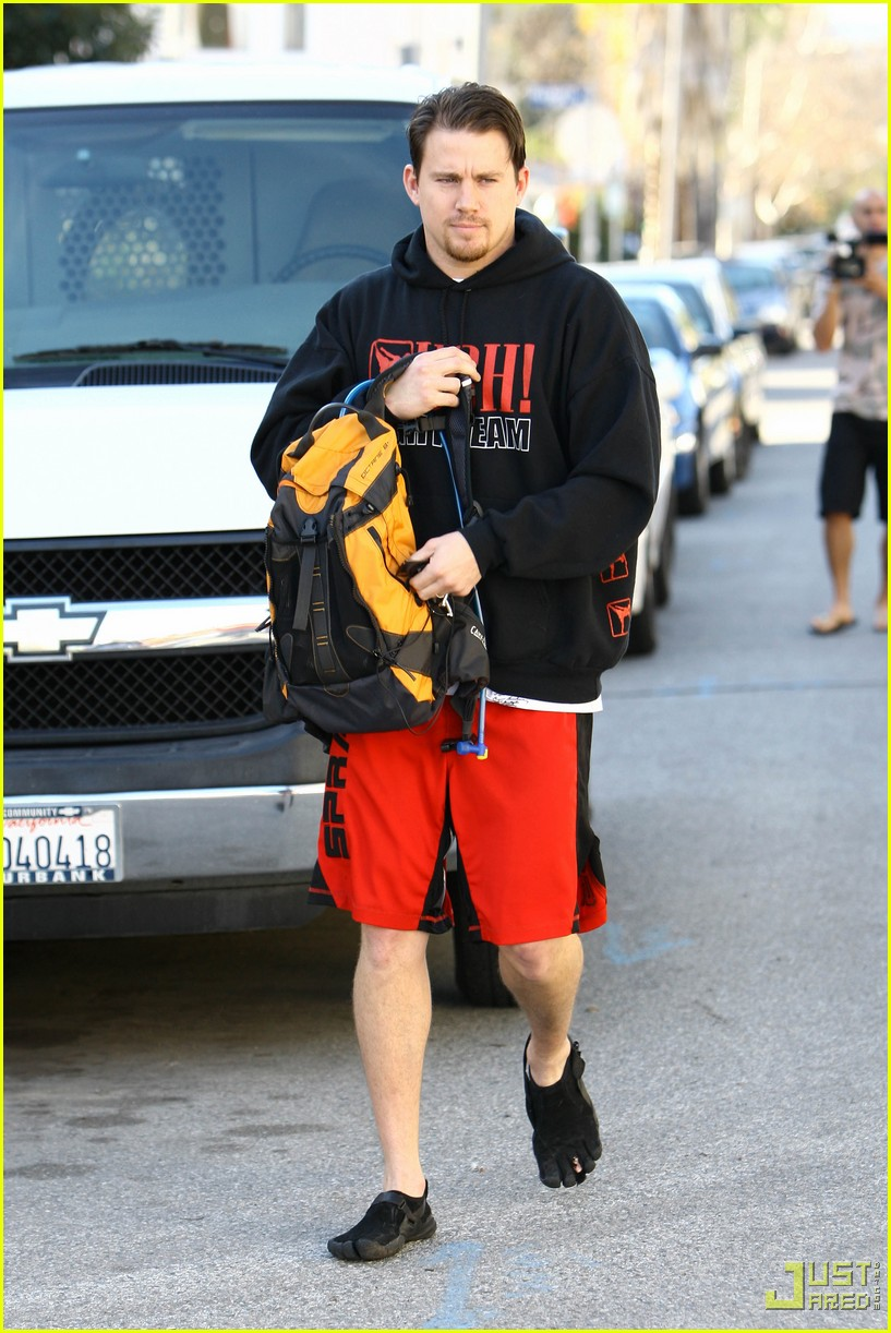 channing tatum workout gear five finger shoes 162405948