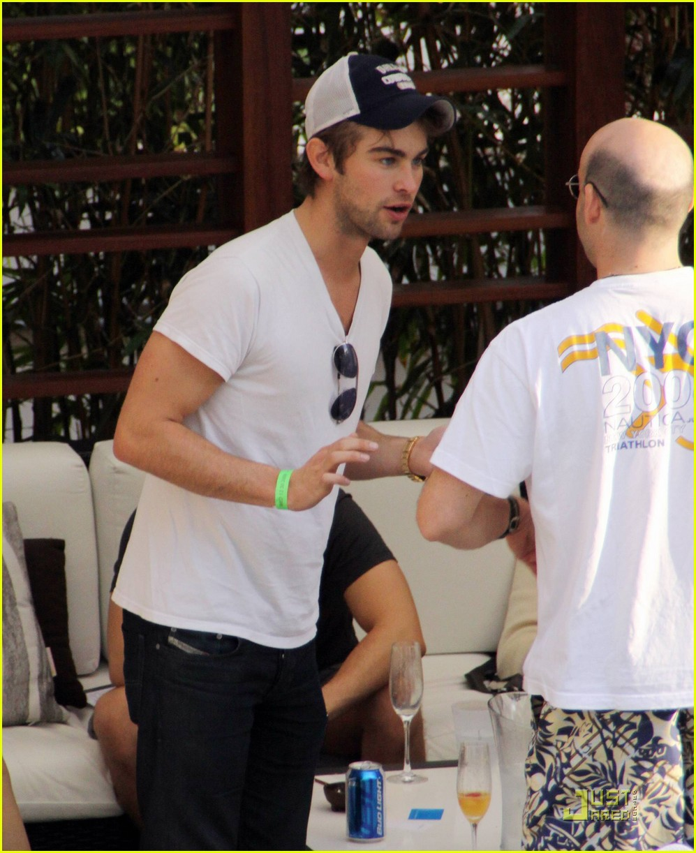chace crawford colton haynes cocktails 132405387