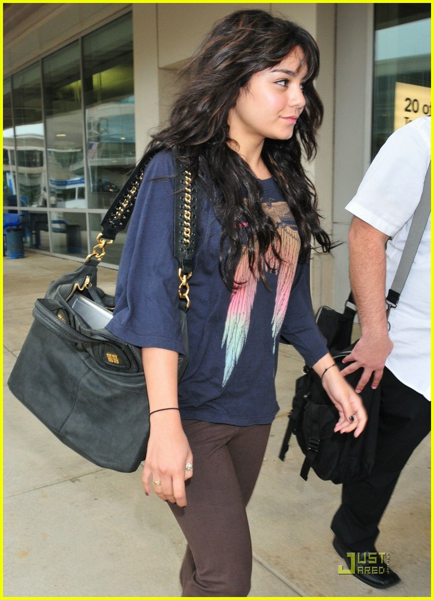 who is vanessa hudgens dating This upcoming march, vanessa hudgens will return to the silver screen as candy in spring breakers, alongside fellow starlets ashley benson and selena gomezin spite of a brief photo scandal likely spurred by some yearning to rebel against her squeaky clean high school musical reputation, she has remained relatively unmarred by further trouble.