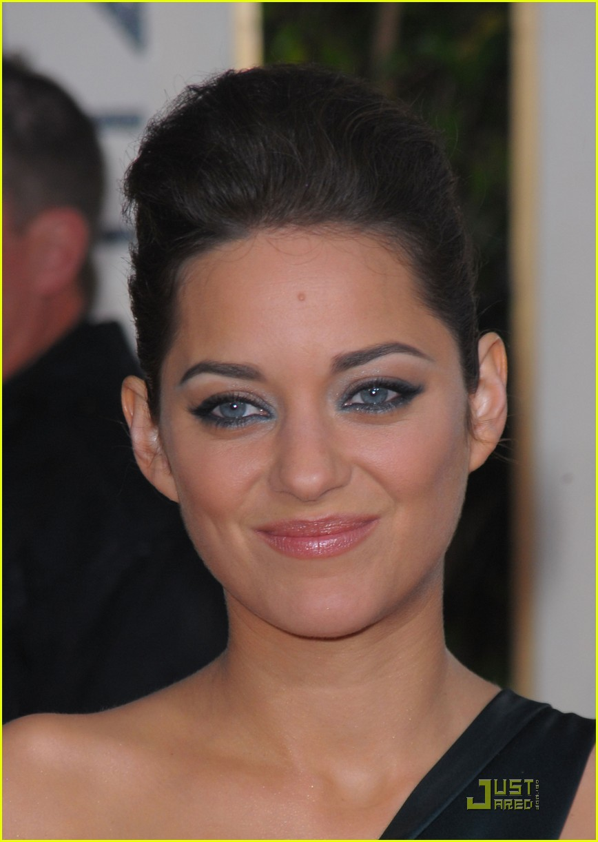 marion cotillard 2010 golden globe awards red carpet 022409219