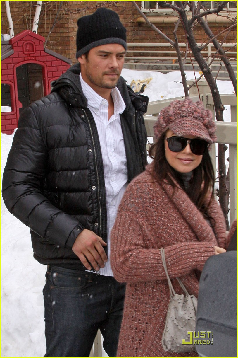 Fergie & Josh Duhamel Are Romantics: Photo 2412053 | 2010