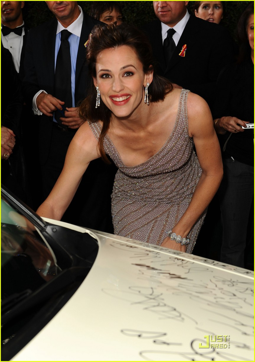 Jennifer Garner Golden Globes 2010 Red Carpet Photo