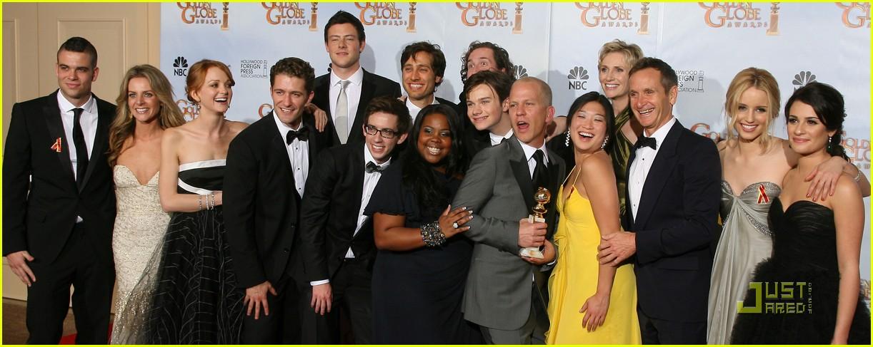 glee wins golden globes 032410007