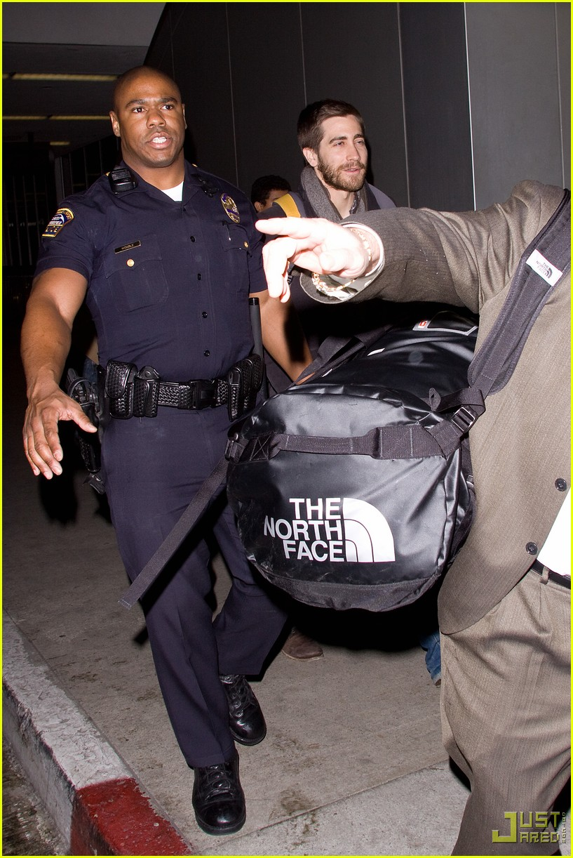 jake gyllenhaal backpack lax 02