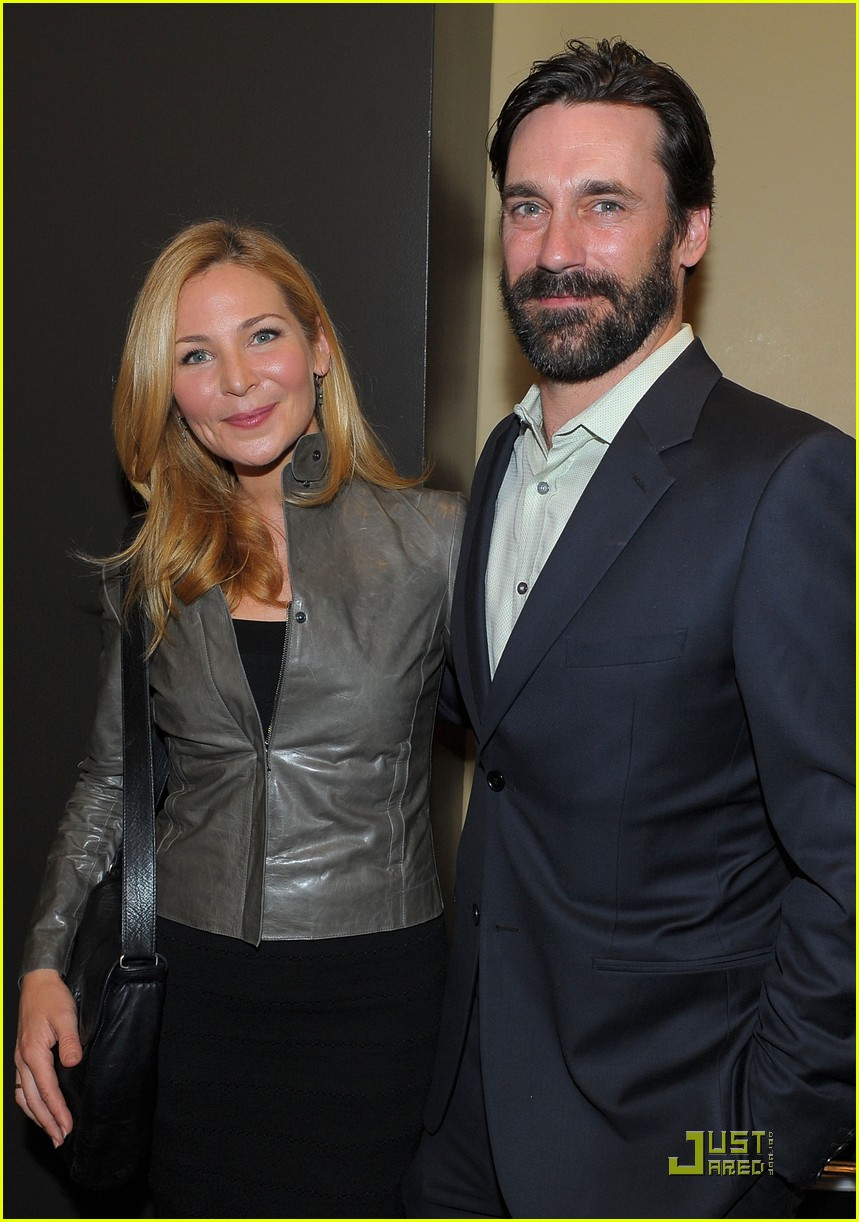 jon hamm boasts a beard 032408211