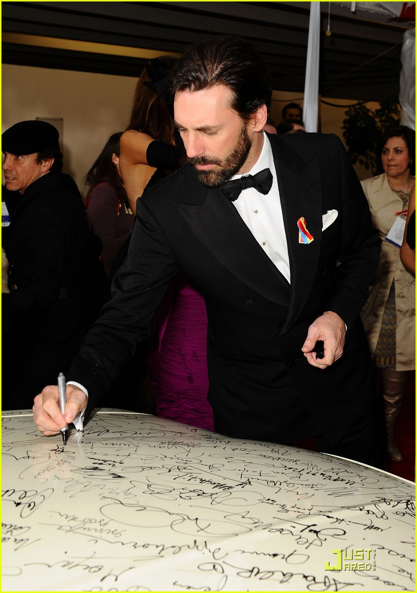 mad men wins top honors jon hamm still bearded 042409850