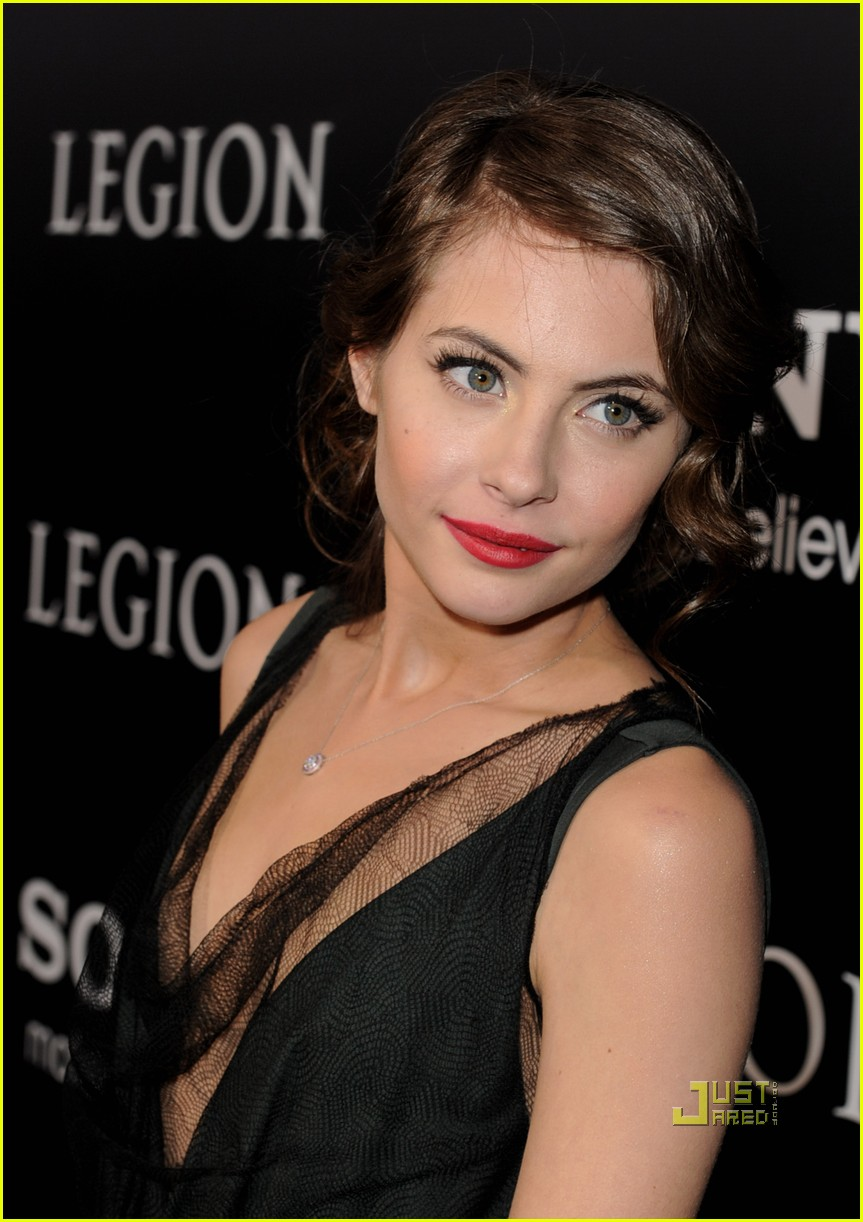 willa holland help haiti nails legion premiere 012410735