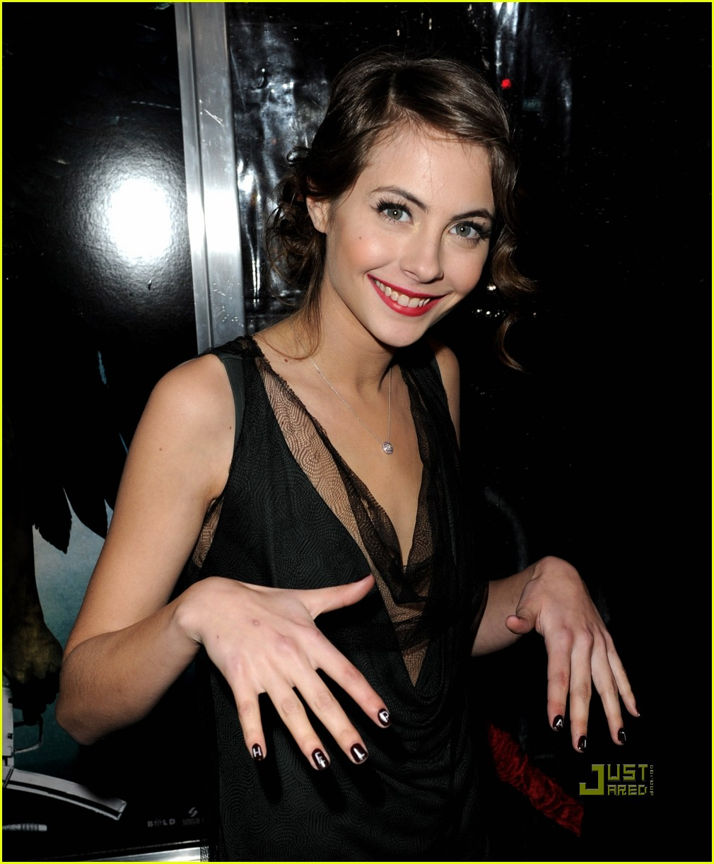 willa holland help haiti nails legion premiere 032410737