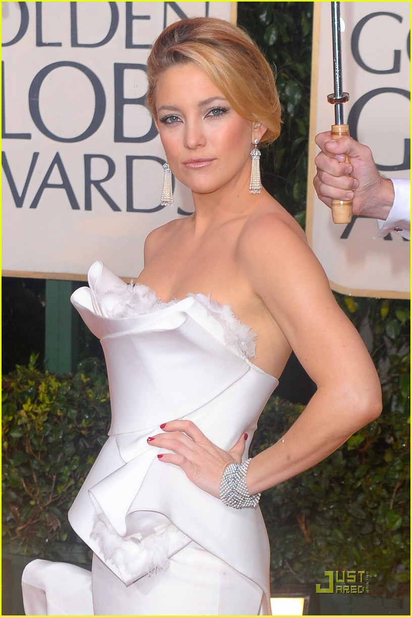 kate hudson golden globes 2010 092409303