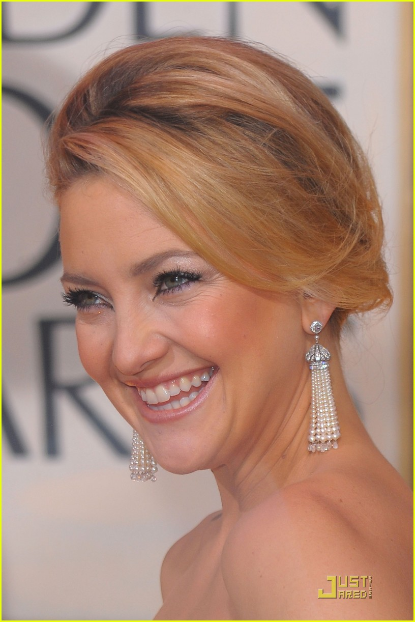 kate hudson golden globes 2010 202409314