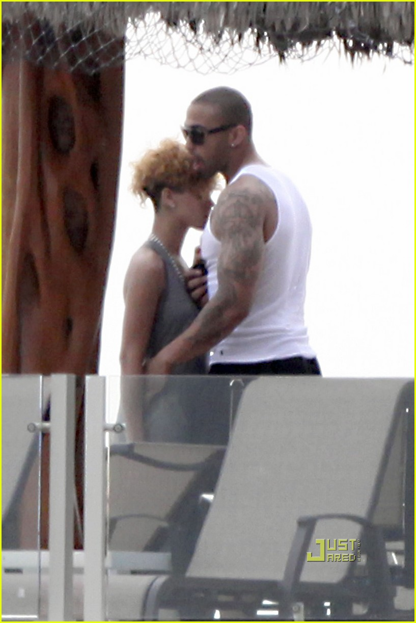 rihanna matt kemp mexico mates 02