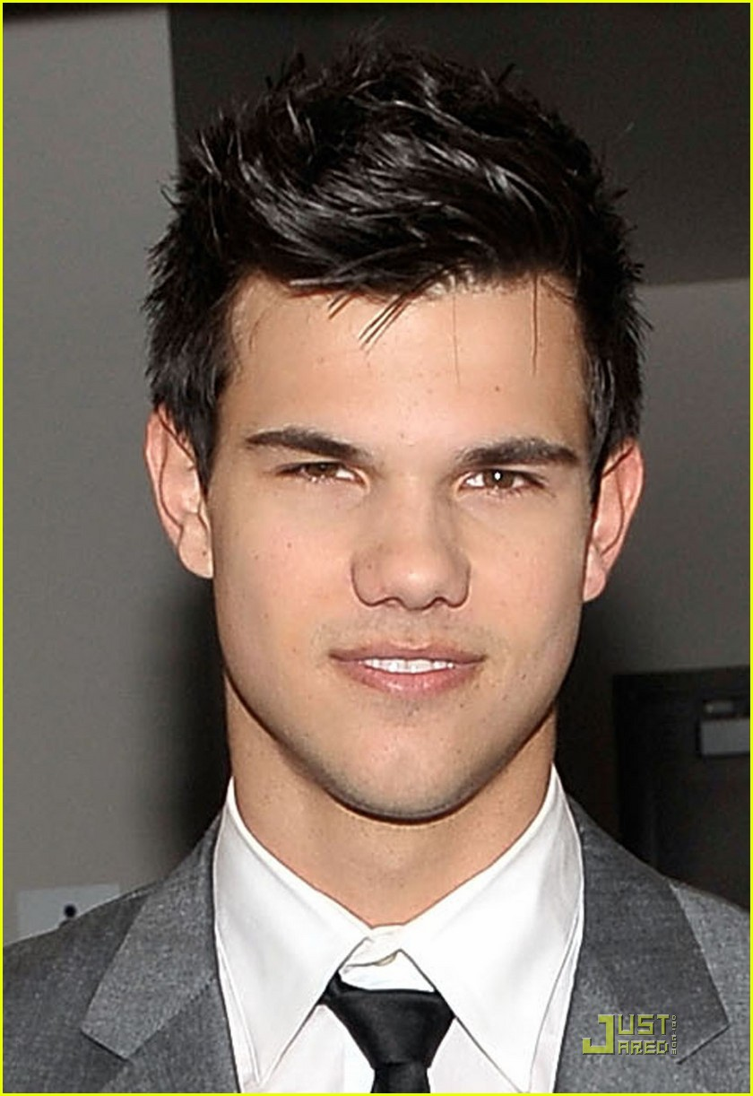 taylor lautner peoples choice 2010 012406585