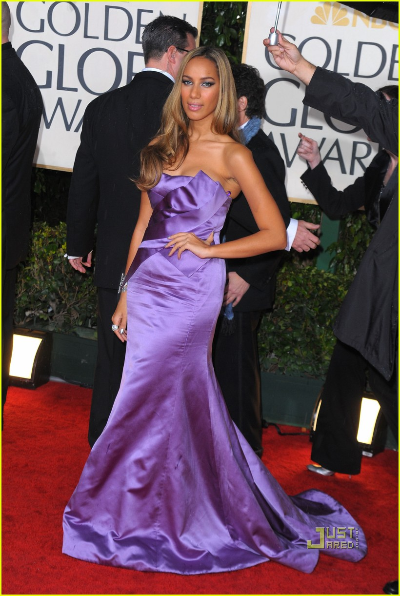 leona lewis 2010 golden globes red carpet 02